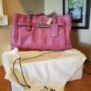 New Coach Leather purse w/box and bag